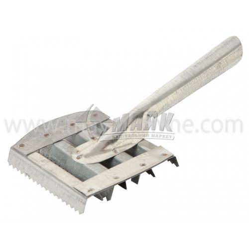 Скребниця оцинкова господарська з металевою ручкою