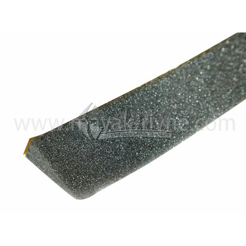 Ущільнювач металопрофілю трикутний 30×60 мм 1 м