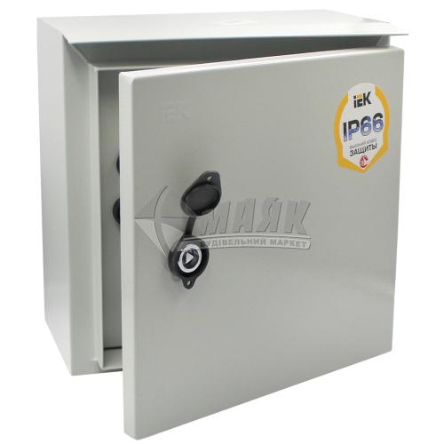 Щиток металевий навісний IEK ЩУ 1/1-1 6 модулів під однофазний лічильник IP54 з замком та вікном