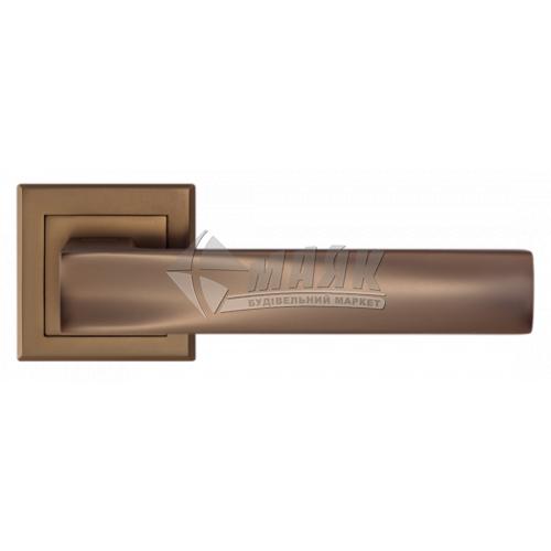 Ручки дверні на розетці LINDE A-2010 MCF бронза темна матова